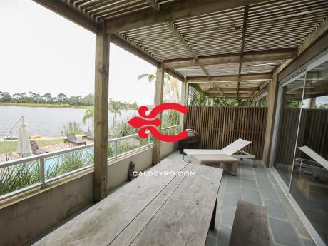 Apartamento Con Vista Al Lago. Ref: 2787