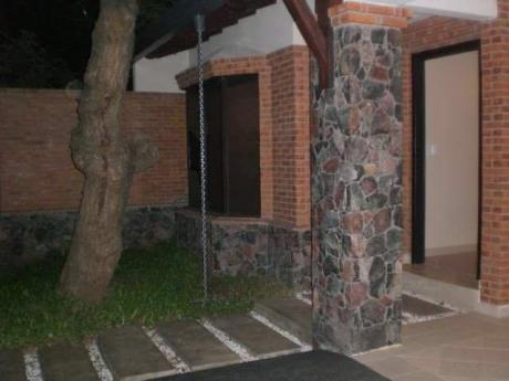 Hermosa Casa Mburucuya 3 Dormitorios Con Piscina