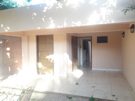 Alquilo Casa En San Lorenzo A Una Cuadra De Las Almenitas Y A Dos Del Liberty.