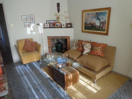 Oficina Sosa -reservada Gran Oportunidad De Casa En Colón