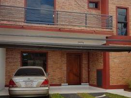 Alquilo Duplex De 3 Dormitorios En Asuncion Zona Los Laureles
