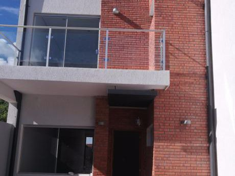 Vendo 2 Duplex A Estrenar  Fdo.zona Norte ( 3 Cuadras De Mcal Lopez )