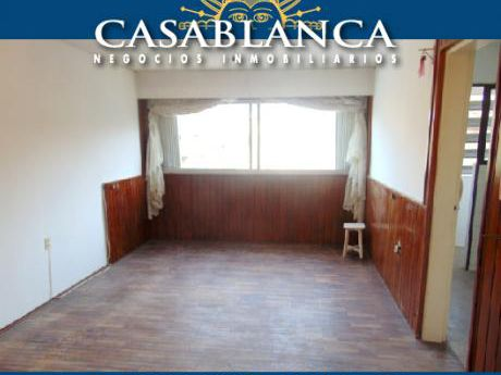 Casablanca - Sobre Gral. Flores