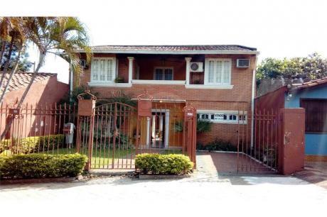Casa Amplia Y Confortable En Lambaré