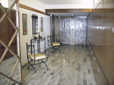 Apartamento Impecable En El Cordón.