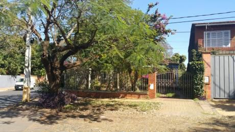 Propiedad Ubicada En El Barrio Mcal Lopez En Las Cercanias De Mburuvicha Roga
