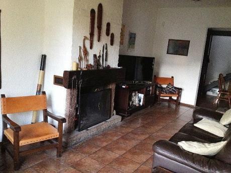 Casa En Punta Gorda A Pasos De Av. Rivera