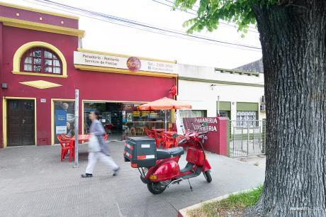Venta De Llave Y Alquiler De Prestigiosa Panadería En La Teja