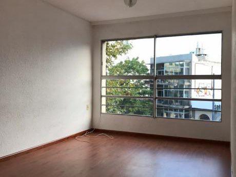 Apartamento De 2 Dormitorios Sobre Bv EspaÑa.