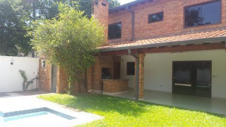 Alquilo Casa De 4 Dormitorios En Suite Zona Colegio Goethe