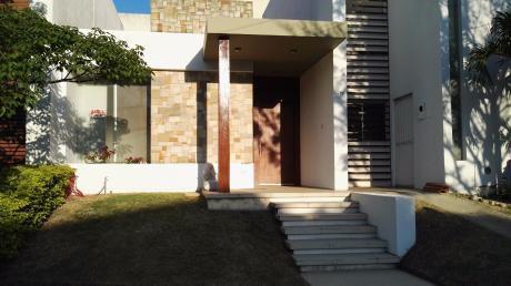 Casa Amoblada En Alquiler En Urb. Ciudad Jardin, Zona Norte