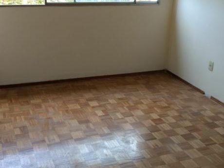 Alquiler Apartamento, Dos Dormitorios, Al Frente, En Cordón