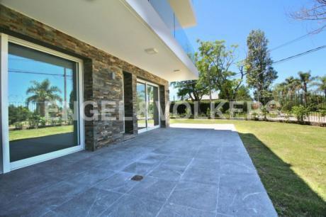 Apartamento De 2 Dormitorios Con Jardin A Estrenar En Punta Gorda