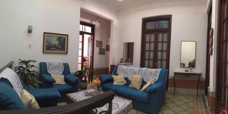 Casa De Estilo Y Apartamento Independiente En Parque Rodó.
