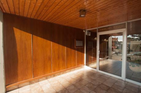 Excelente Apartamento Un Dormitorio Centro Maldonado