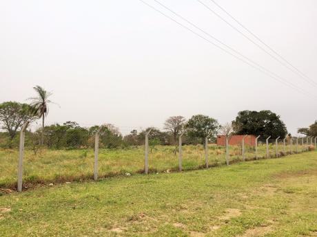 Terreno Uso De Suelo Mixto Frente A Biocentro Guembe