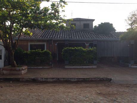 Casa Fernando De La Mora Zona Sur