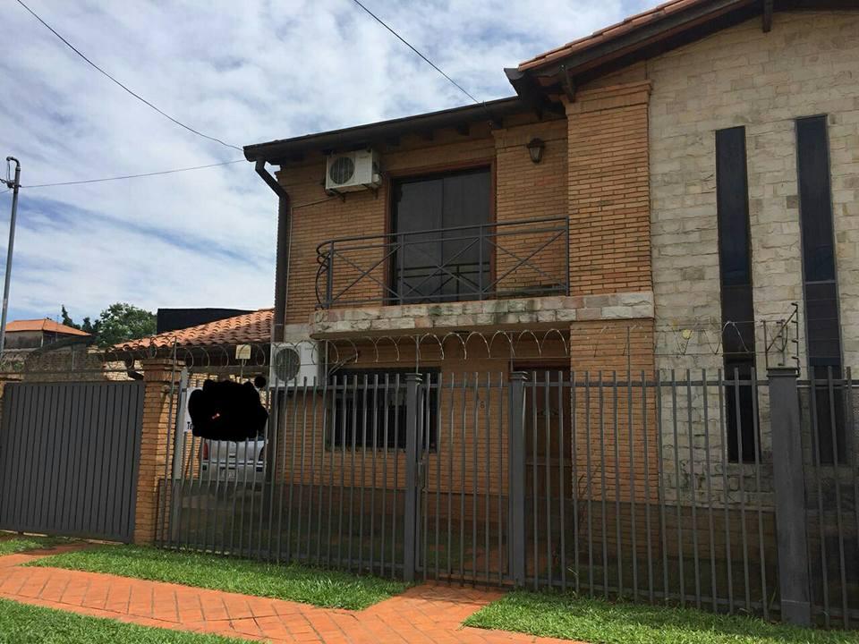Vendo Hermoso Duplex En Fdo De La Mora Zona Norte