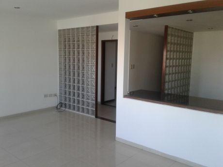 Lindo Depto De 2 Dormitorios En Equipetrol Cerca Colegio Aleman