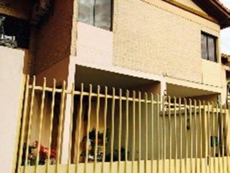 Vendo Duplex En Fernando De La Mora Zona Sur!