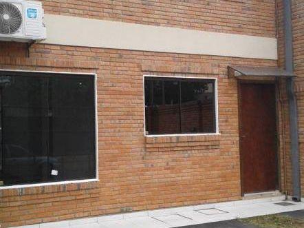 Alquilo Amplio Dúplex De 3 Dormitoris A Pasos De Mcal López Y Santa