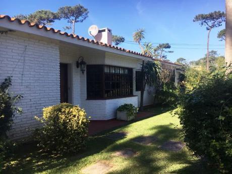 Venta O Alquiler De Casa En Punta Del Este. Parada 10 De La Mansa.