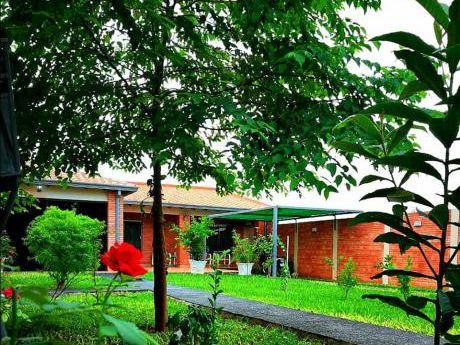 Casa En Capiata Ruta 1. Municipalidad