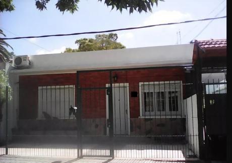 Preciosa Casita Jardín Fondo Lugar Para Auto No Se La Pierda!!
