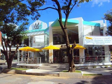 Local En Villa Morra! Excelente Precio Y Ubicación! Frente Shopping Mariscal