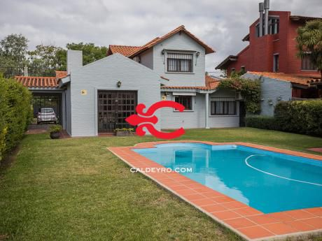 Casa En Carrasco. Ref: 5163