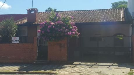 Hermosa Casa En Excelente Ubicación En El Barrio Santisima Trinidad