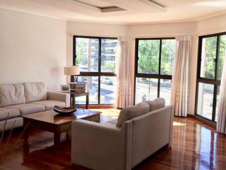 Venta Apartamento Punta Carretas 3 Dormitorios + Servicio + Gge