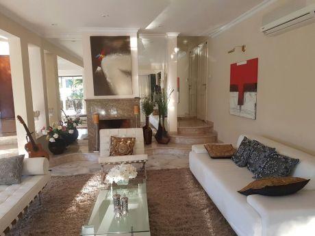 Tierra Inmobiliaria - MagnÍfica Residencia De 5 Dormitorios! Yacht & Golf Club