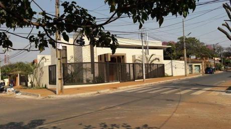 Capital Vende Moderna Casa A Estrenar.