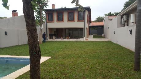Bº Jara . Leon Condou :impecable - 3 Dormit. . Jardin , Piscina - 9.000.000 Gs