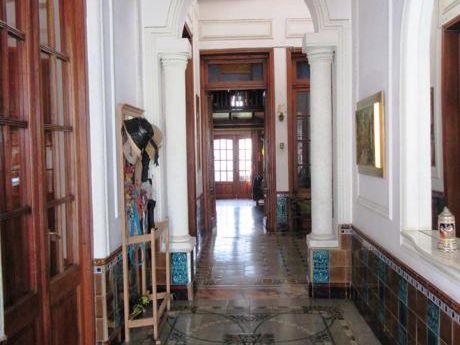 Casa De Estilo Y Categoría En Pocitos Con 100 Mts2 De Fondo