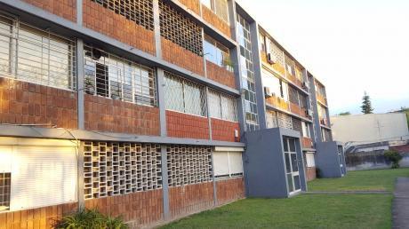 Apto De 3 Dormitorios Al Frente LarraÑaga Y Varela