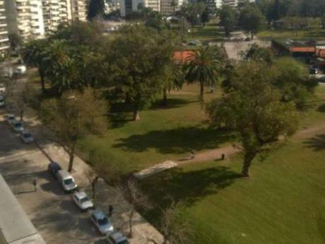 Luminoso Y Amplio Apartamento Con Magnífica Vista Al Parque