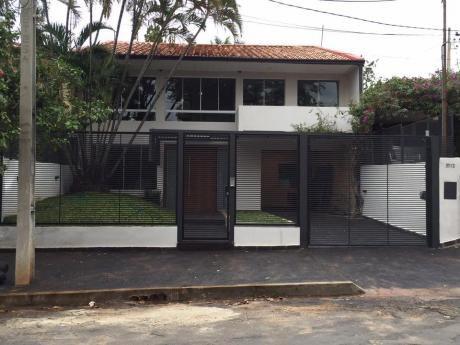 Hermosa Casa En Alquiler Barrio Seminario.