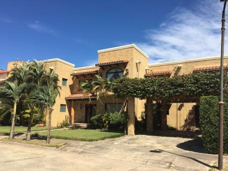 Casa En Venta UrbanizaciÓn La Hacienda I (el Rodeo)