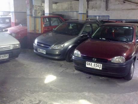 Rivera Y Mac Eachen Ideal Parking, Lavadero