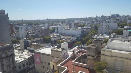 Excelente Y Amplia Planta Con Vista Despejada, 120 M2!!!! Linea Blanca
