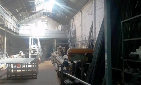 Local Comercial/industrial C/oficina 350 M2. Edif.