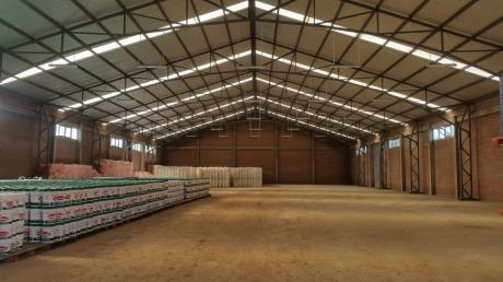 Alquilo Galpon Al Norte!!! Ubicado En El Complejo Industrial Del Norte