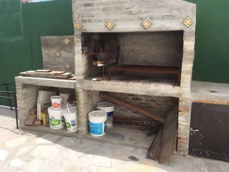 Casa C/fondo Parrillero Y Garage
