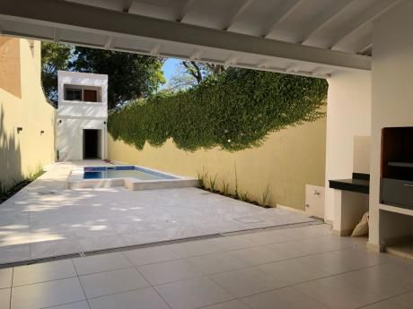 Casa Sobre Santa Rosa Zona Club Centenario