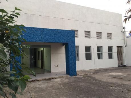 Zona Comercial Con DepÓsito cubierto Con Oficinas Zona Noreste, av. Centenario