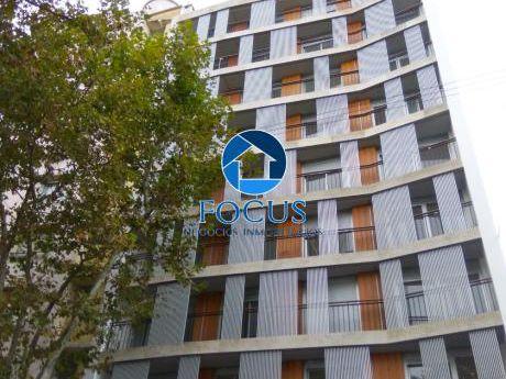 Venta Apartamento 2 Dormitorios Con Terraza! Vista Al Mar! Centro