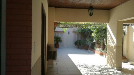 Vendo Casa En Barrio Obrero Sobre Felix Bogado