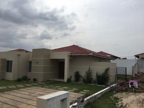 Casa En Alquiler En Urb Santa Cruz De La Colina